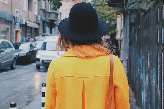 oranžový kabát